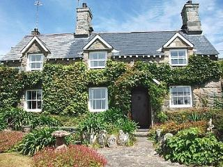 Taicroesion, charming coastal cottage - 27055, Barmouth