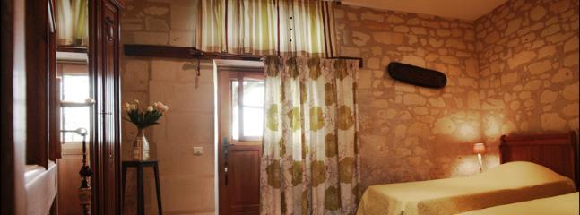 La chambre Zen en rez de chaussée avec terrasse privative lit de 200 x200