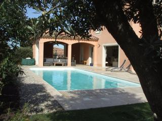 Charming  house 5* with heated pool 700m from the beach, Sanary-sur-Mer