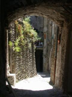 old road in pigna