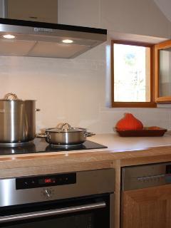petite cuisine moderne, fonctionnelle et silencieuse