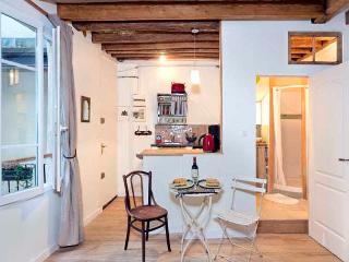 Enchanting Marais Studio - ID# 317, Parigi