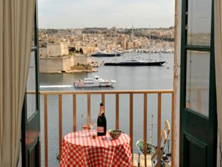 Admirals Suite, Valletta. Amazing harbour views