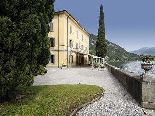 7 bedroom Villa in Limonta - Oliveto Lario, Lago Di Como, Lombardy And Lake