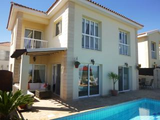 MEDVIL21 3 Bed Villa Kapparis 200m from Beach!, Protaras