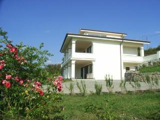 Apartm. Bella Vista, pool, 196 m², 5 guests, near Rome / lake / sea / golf / spa