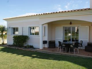 Beatuiful 2 bedroom bungalow, Guia