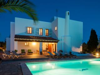 Can Rei, near Ibiza Town with pool, wifi & air-con, Ibiza Ciudad