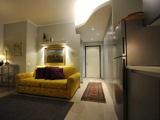 Mini Suite Yellow, Turín