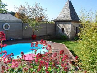 piscine et terrasse solarium