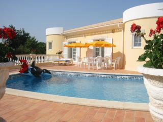 Villa Marianna Do Sol 4 Bedrooms 4 Bathrooms Air Conditioning Heated Pool, Porches