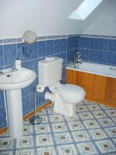 En-suite bathroom in Hardy chalet