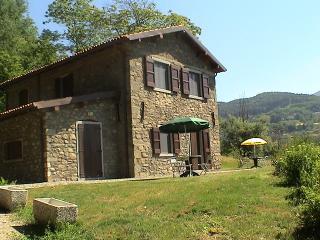 Eco Farmhouse with horses C3, Castiglione di Garfagnana
