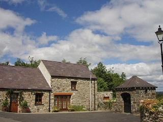 Stabal yr Eglwys, 5 star in Ceredigion  - 27393, Llanybydder