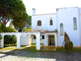 Morna White Villa, Vilamoura, Algarve