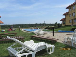 Oasis Beach Resort. Apt: B3-9, Kamchia
