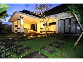 Seminyak 3 bed rooms private villa