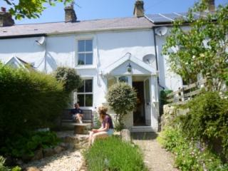 Cosy stone cottage in  heart of Gower Peninsula,close to village pub and beaches