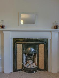 Twin room fireplace