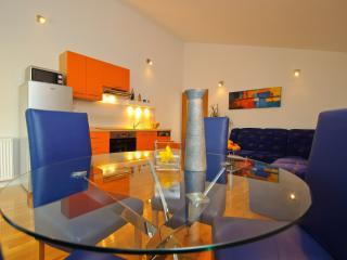 Lea apartment in Trogir center, Ciovo Island