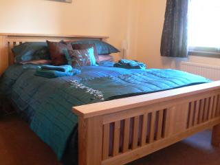 downstairs kingsize bedroom complete with high quality furniture