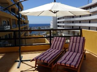Apartment with large terrace in Golf del Sur