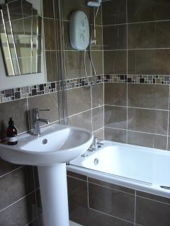 en-suite bathroom in double room