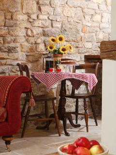 The Honeypot dining table