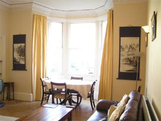 Gladstone Apartment central Edinburgh. Family home. Wifi. Children Welcome.