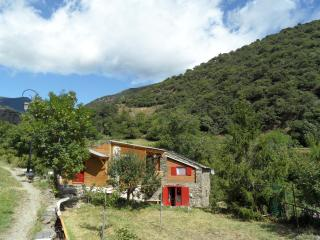 Fenil dEvol  , studio dans grange restauree , montagne , randonneurs , histoire