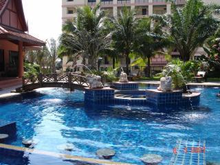 Nova Mirage pool