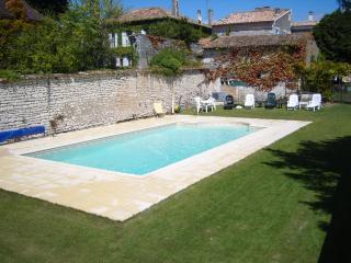 Maison d'arbre d'if, Saint Fort sur Gironde