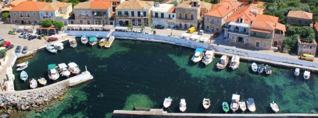 Agios Nikolaos Village (1,2 km from our villa)