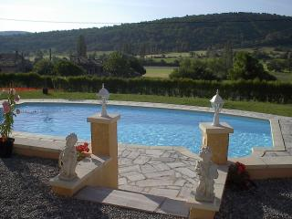 Villa Emmanuelle - private pool, gas BBQ, wifi, Banon