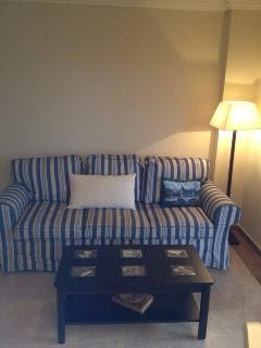 sofa cama, para 2 personas, muy amplia y comoda