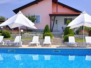 Royal Villa (private pool) Sunny Beach area, Slantchev Briag (Sunny Beach)
