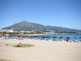 1520 - 2 bed apartment, near to Puerto Banus, Nueva  Andalucia