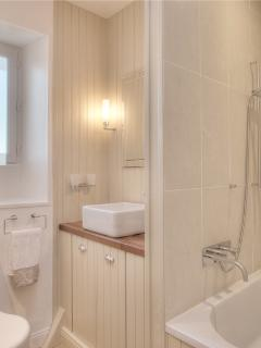 Ile de Re Holiday home, Le Bois Plage,  Main Bathroom