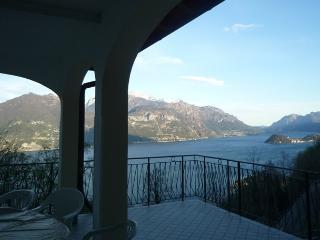 Como Lake Italy Samlù House, Plesio