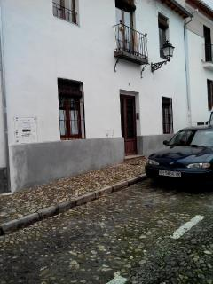 Street San Nicolas, with free parking