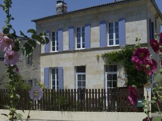 Traditional Charentaise  House, Saint Palais de Phiolin