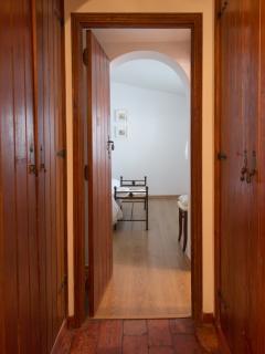 Hall quarto