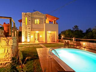 2 Bedroom Holiday Villas, Chania Town