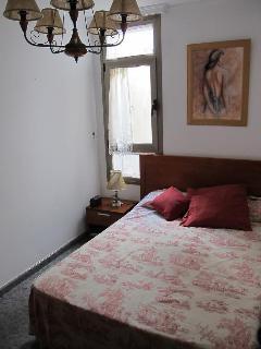 Segunda habitación con cama también doble.
