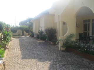 Beautiful Serviced three bedroom villa in Accra with swimming pool