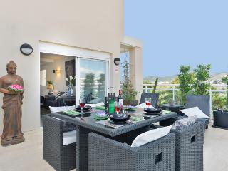 Private terrace - ideal place to enjoy delicious meals 'al fresco'