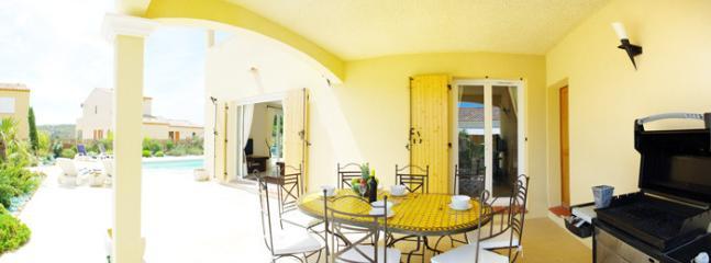Al Fresco Dining under Covered Terrace