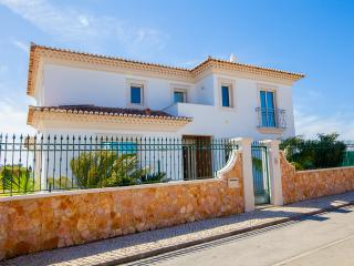 Fantastic 5 bed Villa, private pool, Wifi, Albufeira