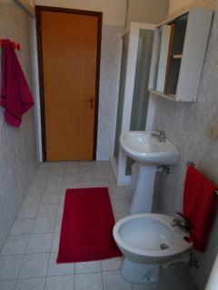 Bagni ampi e luminosi finestrati e con cabina doccia