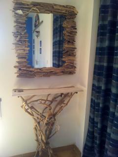 Consolle e specchio composta da legni selezionati in spiaggia